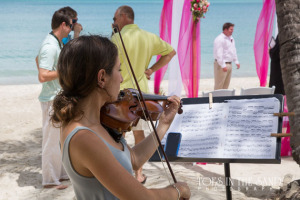 Violin player for vow renewal in St. Thomas